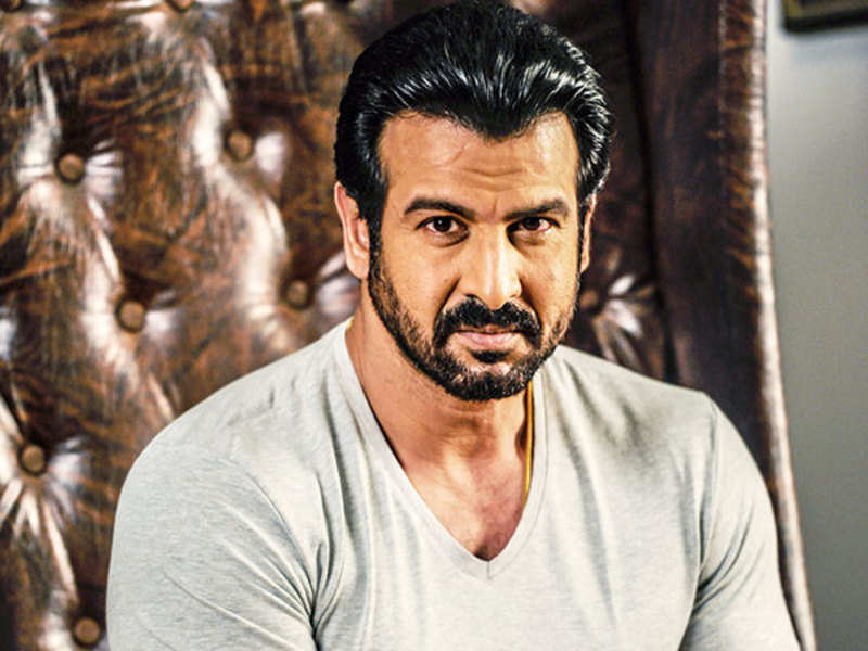 Ronit Roy - Early Life, Career and Net Worth 2021 - scholarlyoa.com